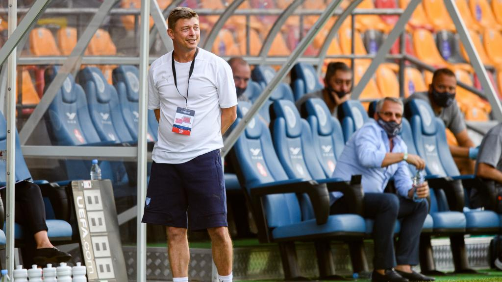 Presskonferens med Jon Dahl Tomasson efter matchen i Riga